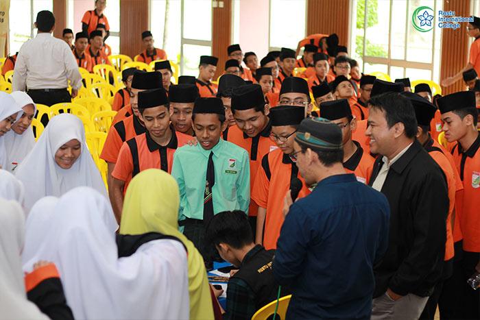 Bengkel Khat Anjuran Restu International College di SAMT Sultan Hisamuddin, Klang