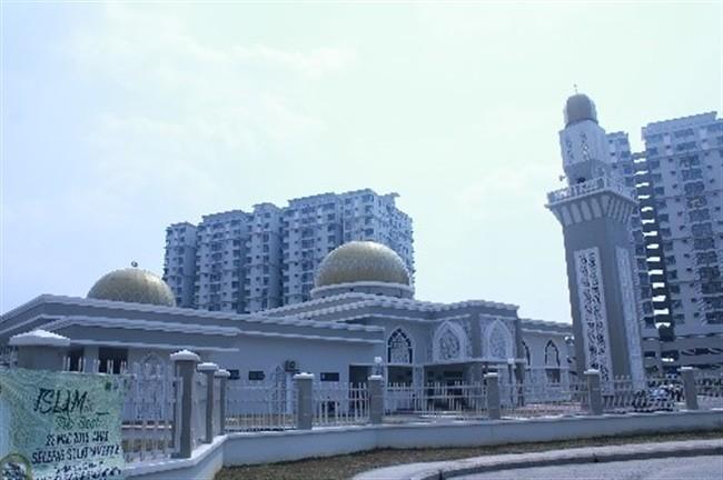Hostel - Mosque (650 x 432)